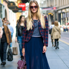 Dora Juras Pivac, how to wear pleated midi skirt with ankle boots, preppy blazer and Proenza Schouler PS1 bag