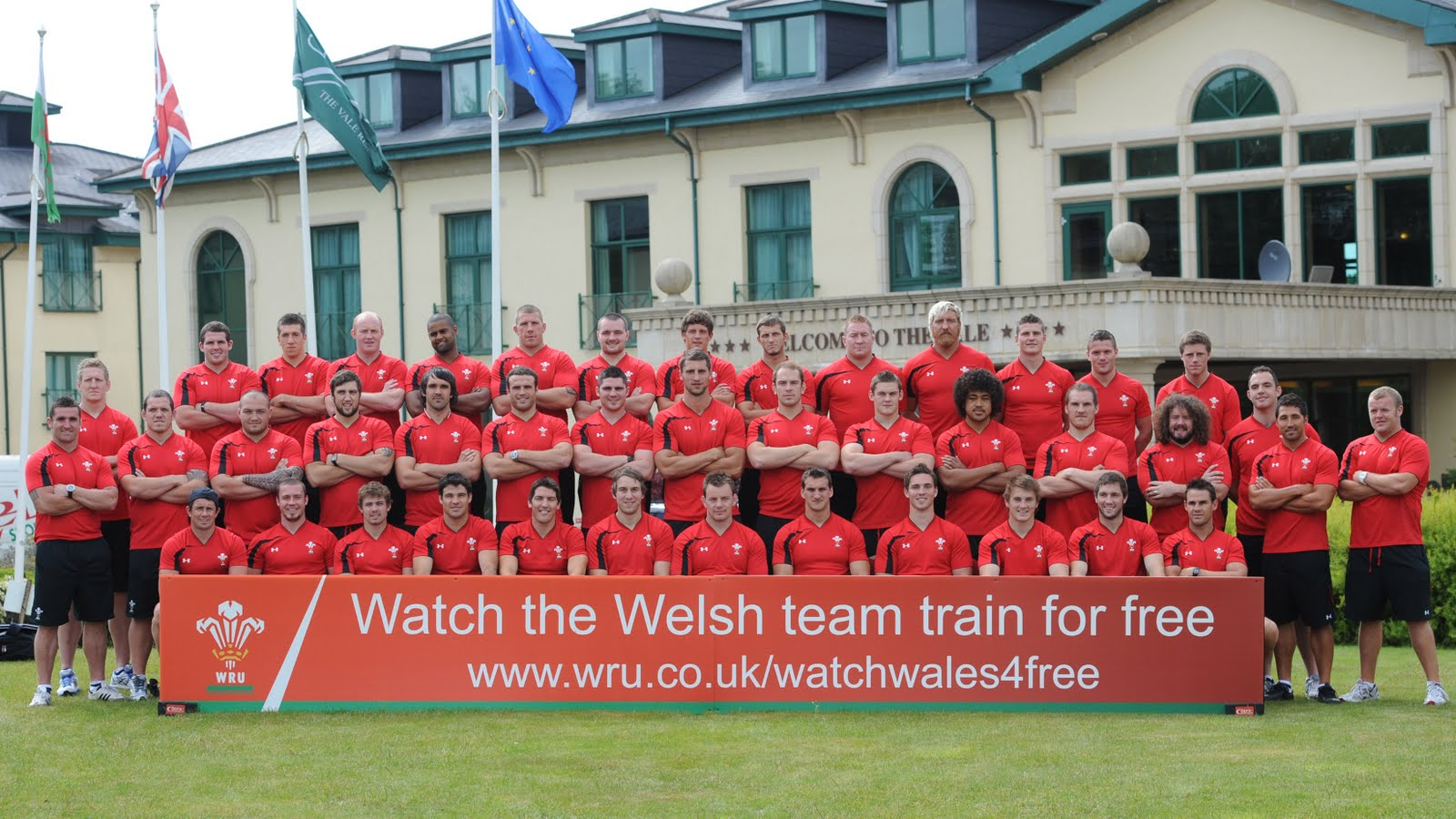 Welsh rugby team photo 4 Pics 1 Word Levels 351-400 Answers - App Game Answers