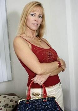 Nicole Moore (II)