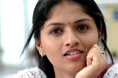 Sunaina-CloseUp