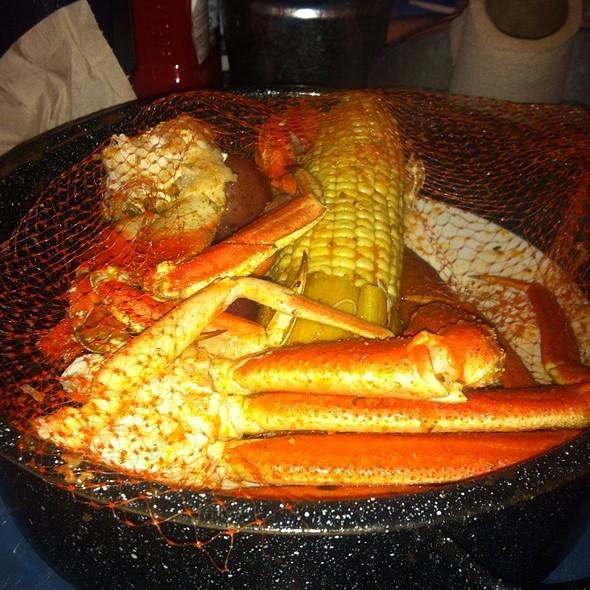 Joe 39 s crab shack copycat recipes ragin cajun steampot for Two fish crab shack