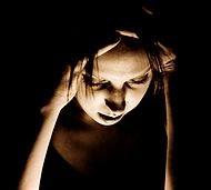 Hati-hatilah terhadap gangguan-gangguan penyakit syaraf yang Anda derita, bisa jadi pada kasus penyakit migrain yang menahun, hal itu merupakan tanda sihir yang berat.