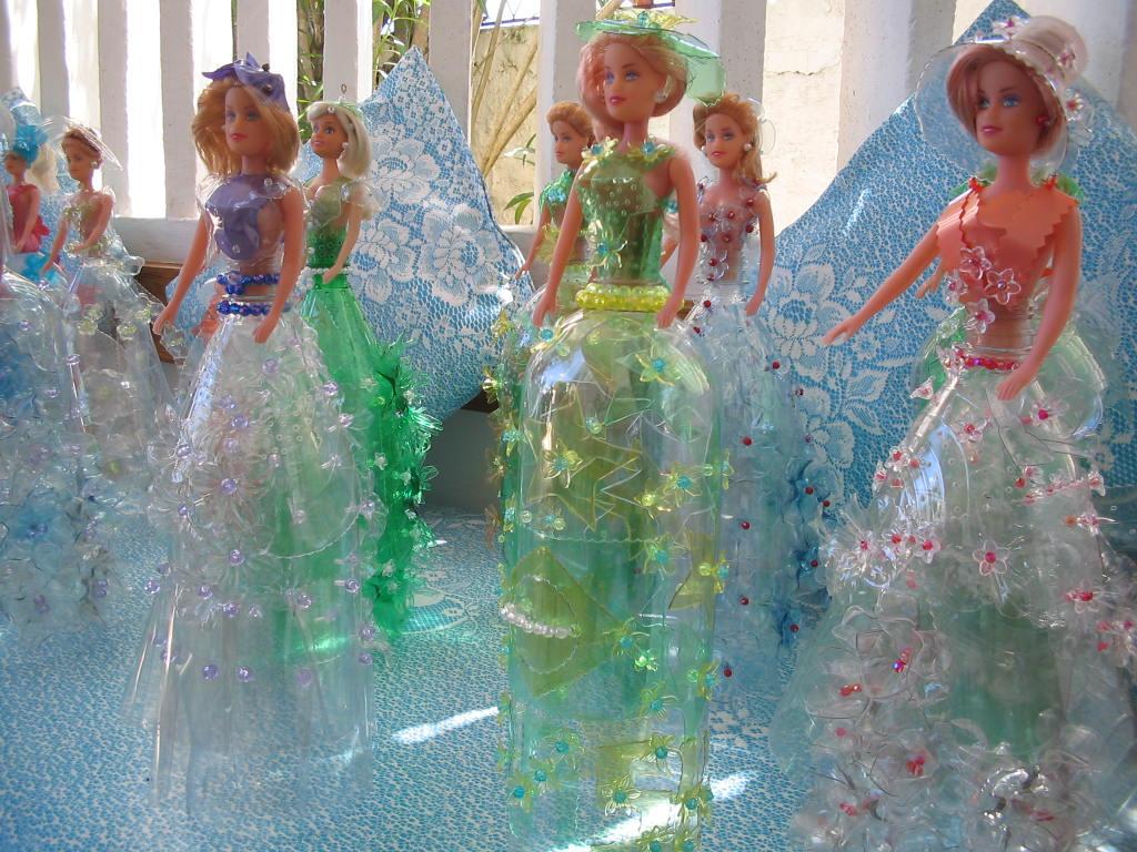 Adesivo De Espelho ~ Artesanato com garrafas pet Bonecas de garrafa pet feitas há 12 anos atrás