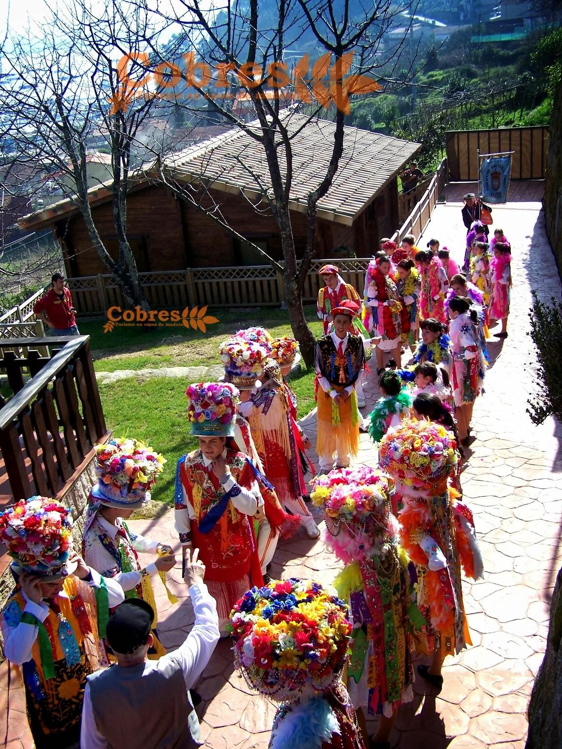 Baile de Madames y Galans en nuestras casas de madera