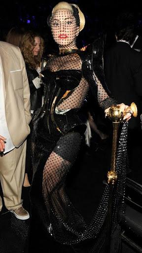 Лейди Гага наградите Грами 2012