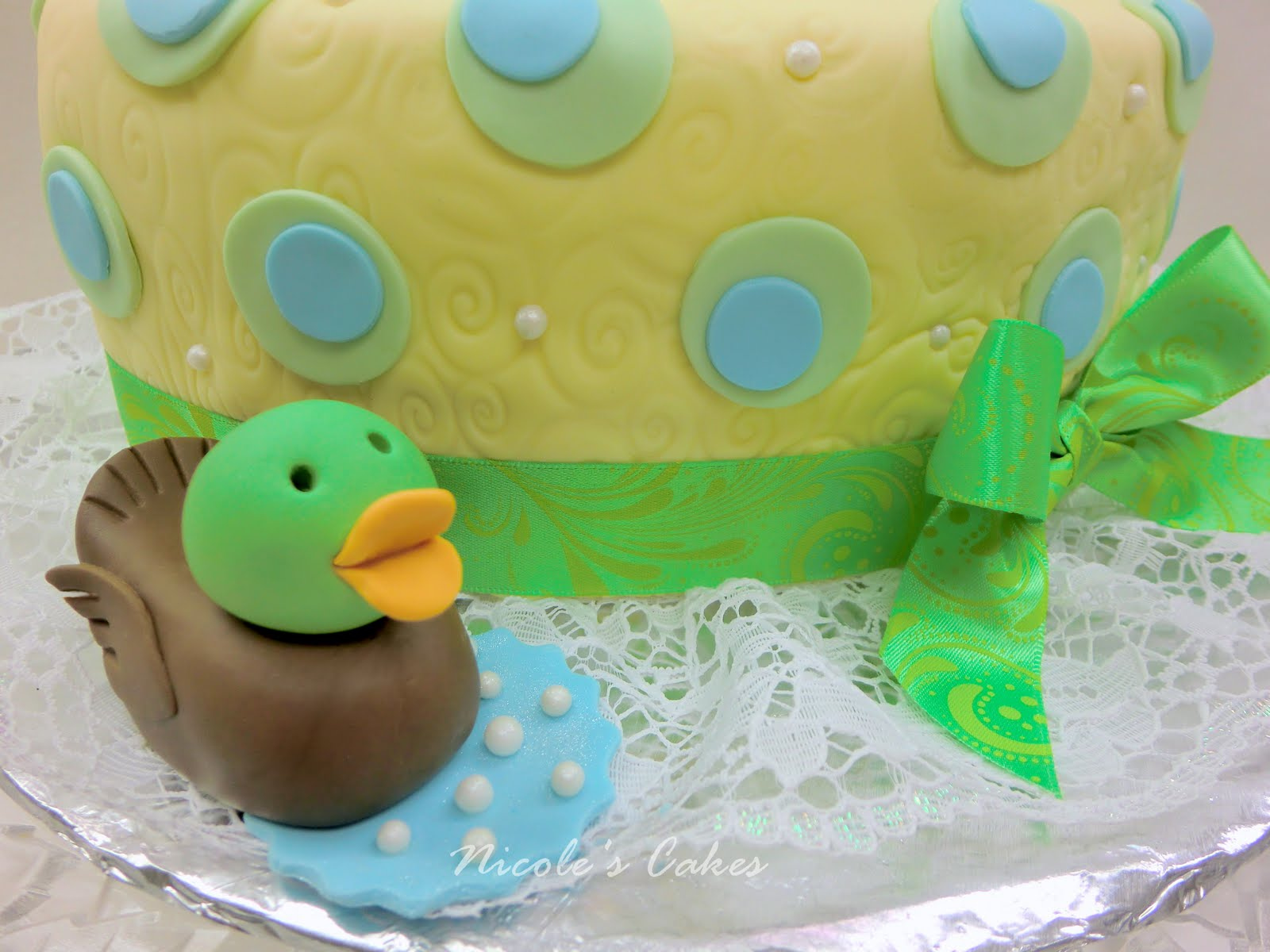 confections cakes creations 39 just ducky 39 a baby shower cake