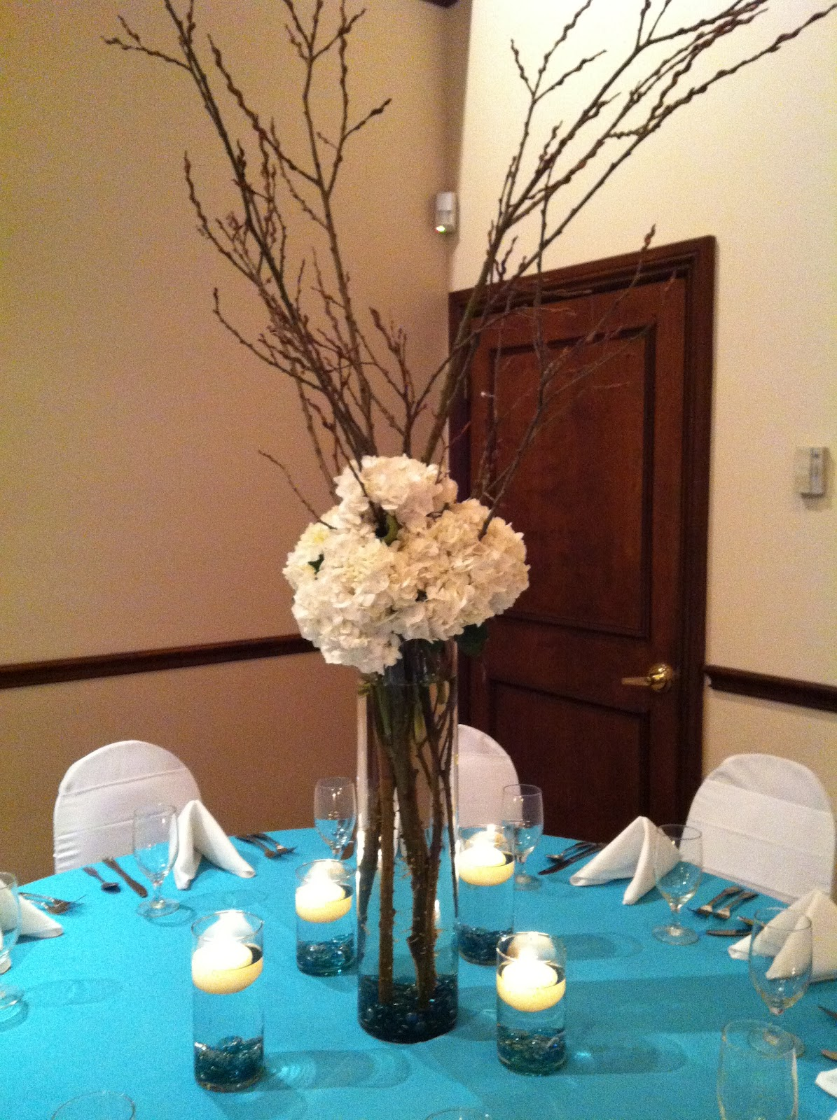 Photograph inexpensive wedding centerpieces for Inexpensive wedding centrepieces