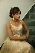 glamorous Vithika sheru new sizzling pics-thumbnail-5