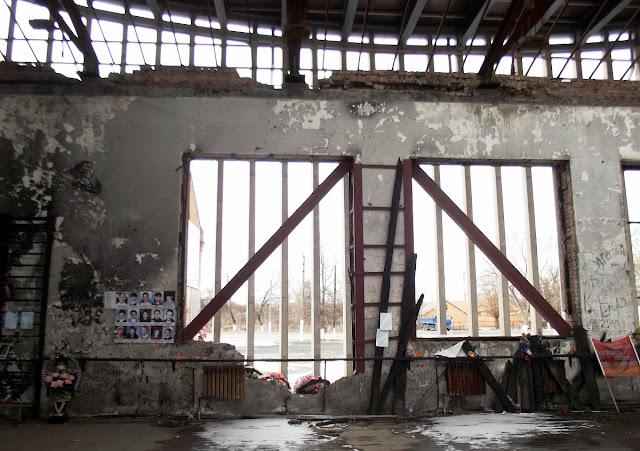 Разрушенный спортзал Бесланской школы, где держали заложников. Беслан, 2012 год