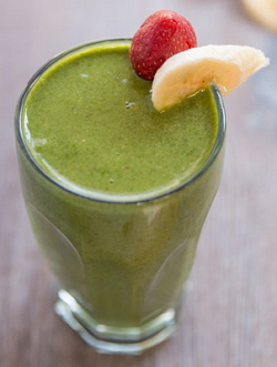 strawberry-banana-spinach-flaxseed-smoothie-breakfast