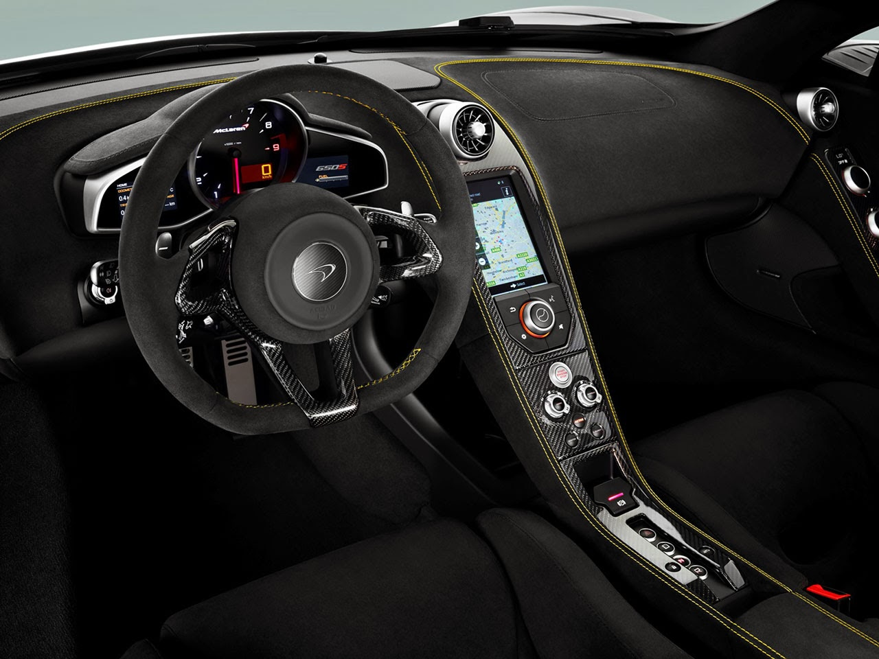 McLaren 650S Coupé dash