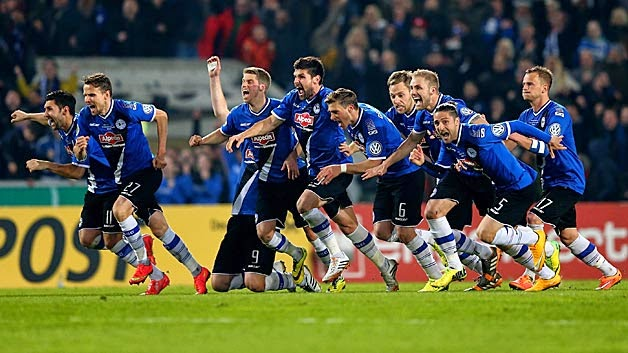 Highlights Arminia Bielefeld 1 – 1 Borussia Moenchengladbach (Penalties 5 – 4)(DFB Pokal)