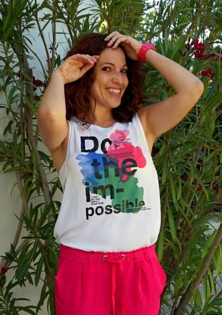 camiseta con mensaje optimista
