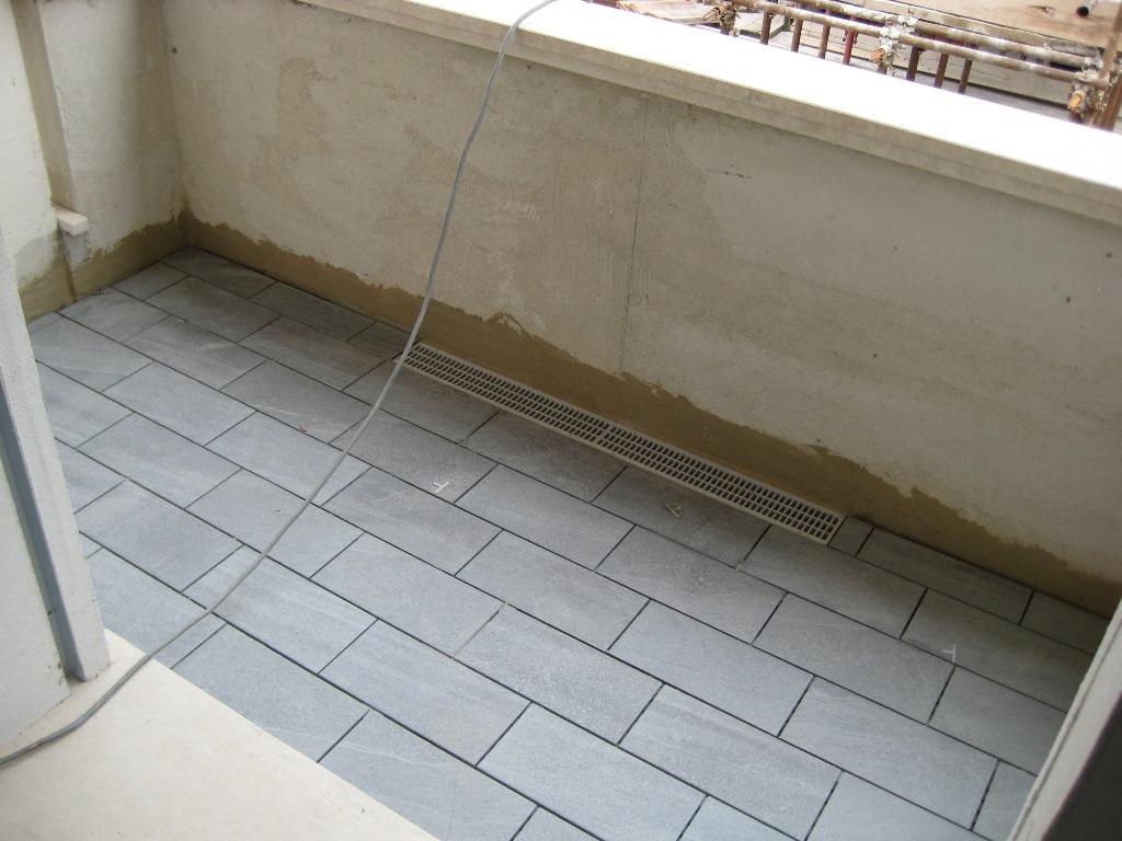 Gruppo frigeni sviluppi immobiliari acquamarina piastrelle balconi palazzina a e impianti e - Piastrelle per balconi ...
