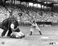 a photo of Eddie Gaebel batting for the St. Louis Browns