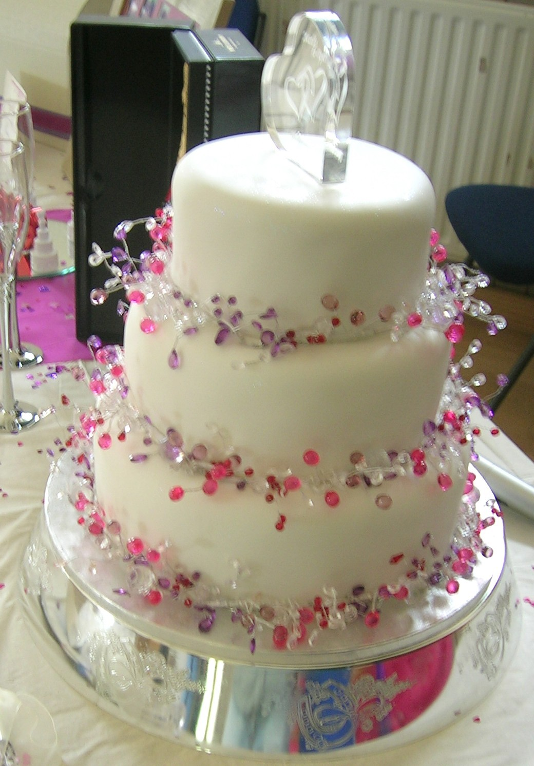 Decoration Of Cake In Home : Wedding Cake Decorating Pictures Ideas