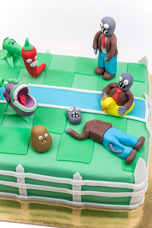 Plants vs zombies fondant cake zombies on a cake top shot