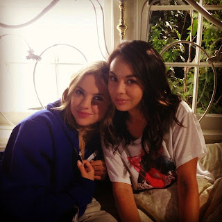 BTS Photo of Ashley Benson and Janel Parrish as Hanna and Mona on PLL
