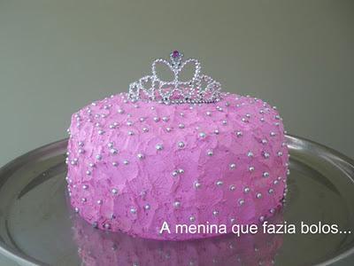 http://ameninaquefaziabolos.blogspot.com.br/2011/11/bolo-princesa.html