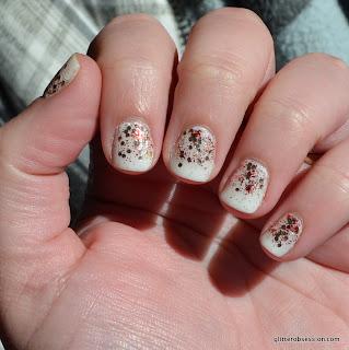 christmas glitter gradient, christmas glitter gradient nail art, glitter gradient, glitter gradient nail art, essie marshmallow