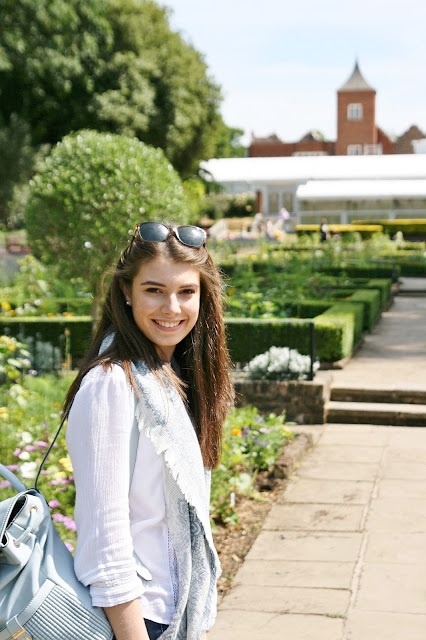 Katherine Penney Chic Life London Day Out Summer Exploring Gardens Photography