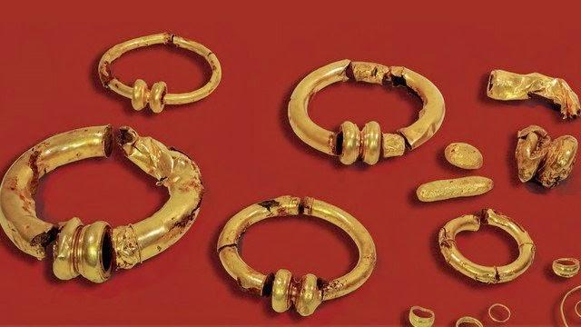 Le Musée d'Archéologie nationale lance un appel aux dons pour acquérir un trésor gaulois.