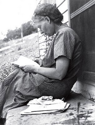 dorothy day essay Dorothy day essaysdorothy day: her life and the influences she made in our  culture today we see many new forms of service, but it always seems like the.