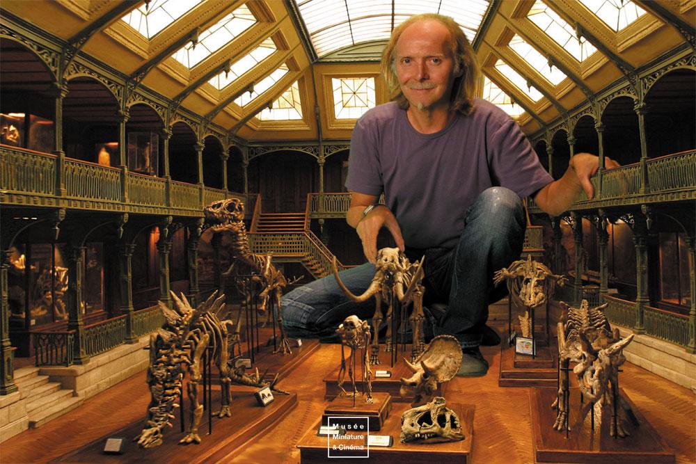08-Jurassic-Story-Dan-Ohlmann-Dan-Ohlmann-Musée-Cinéma-et-Miniature-Miniature-Movie-Sets-and-Realistic-Sculptures-www-designstack-co