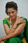 Shilpa chakravarthy sizzling photos-thumbnail-4