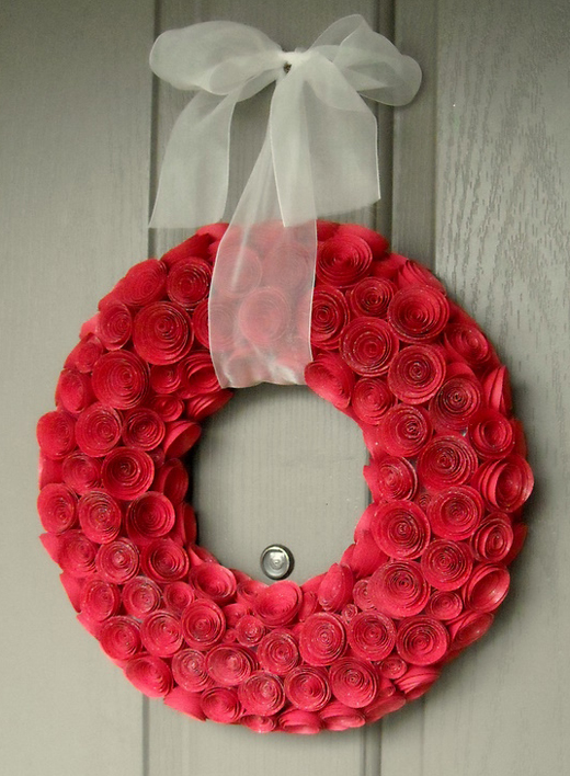 Interesting ideas for decor: WREATH Ideas for Valentine's Day..... ИДЕИ ДЛЯ ВЕНКА НА ДЕНЬ СВЯТОГО ВАЛЕНТИНА
