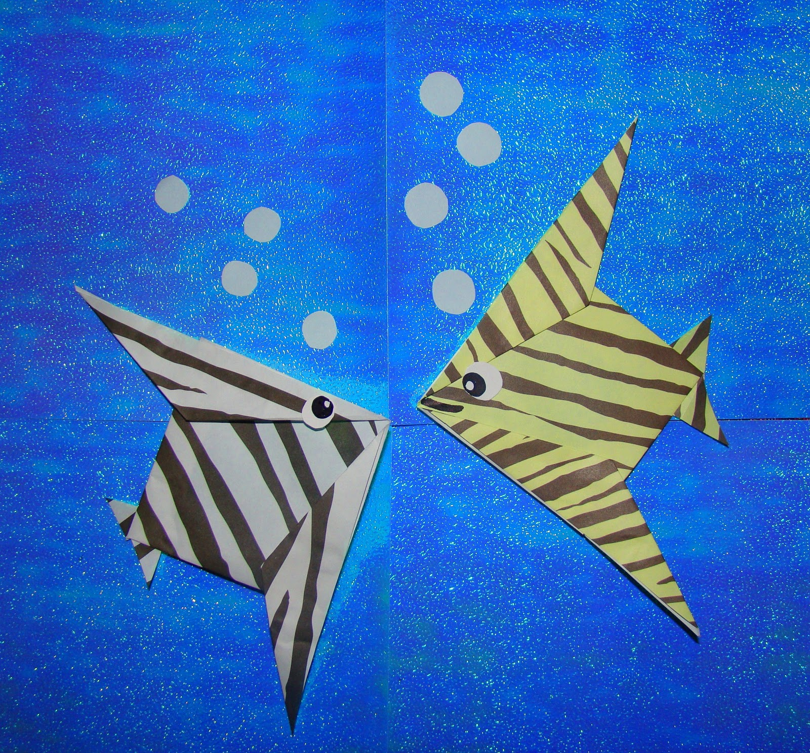 Origami maniacs origami tropical fish this fish is adorable and easy to make i hope you like it origami maniacs jeuxipadfo Images