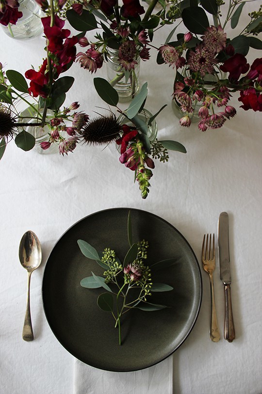 My scandinavian home simple yet pretty christmas party for Easy table setting ideas for christmas
