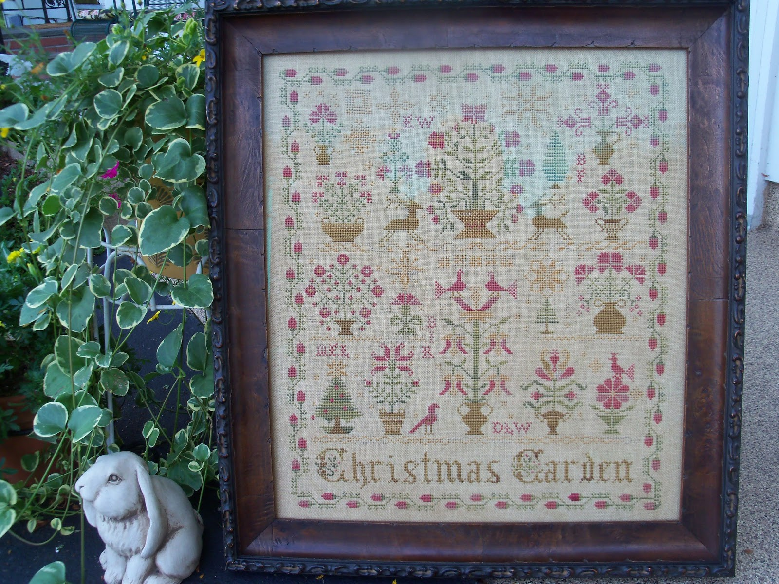 Quilts and needlework with debbie august 2013 for Christmas garden blackbird designs