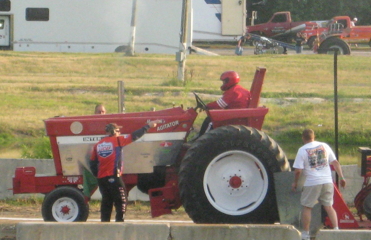Super Pro Stock Pulling Tractor : The pocomoke public eye truck and tractor pull at