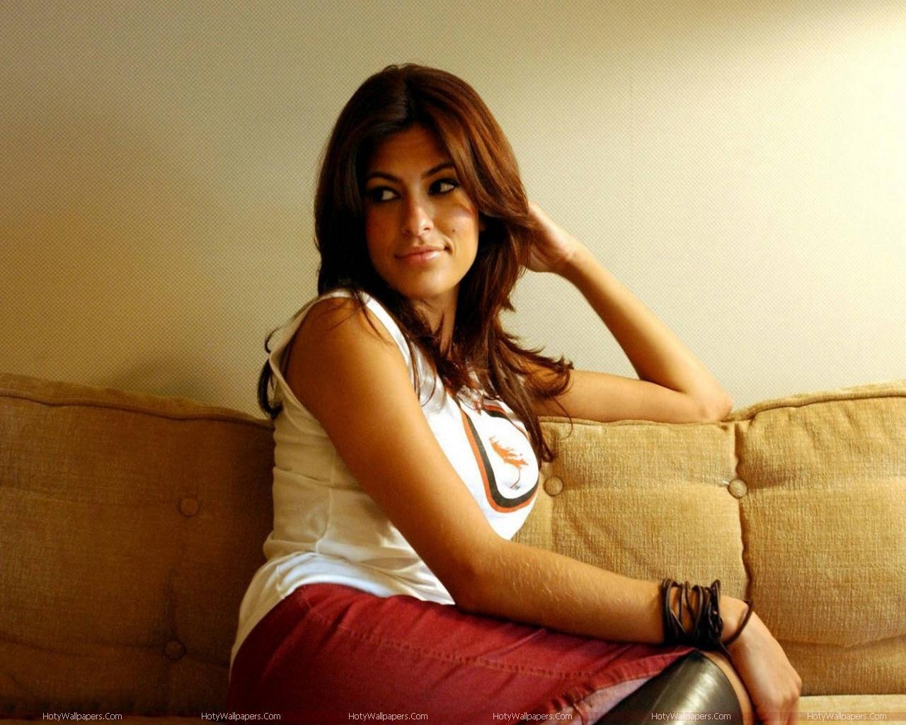 http://3.bp.blogspot.com/-6BN2m_khk54/TldpxsovEFI/AAAAAAAAJxg/fFj1JJP4chE/s1600/actress-Eva-Mendes_wallpaper.jpg