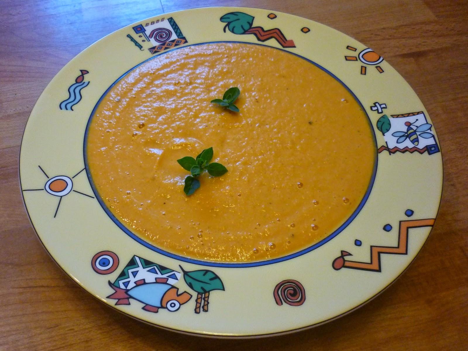 Gemüsecremesuppe mit Süßkartoffel