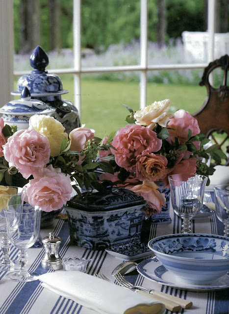 Carolyne Roehm's Blue and White Table