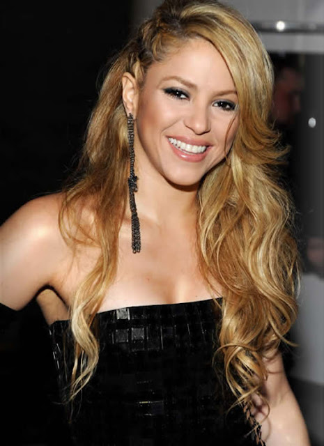 Shakira Latest Pictures 2013
