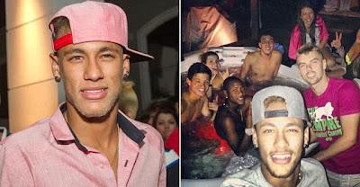 Sem Marquezine, Neymar registra foto com amigos em hidromassagem