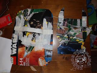 Szöveg: Pajzs és maszk hátulról fényképezve. Kép: Star Wars-os dobozból hegyes (füles?) maszk és egy kerekített sarkú téglalap alakú pajzs.