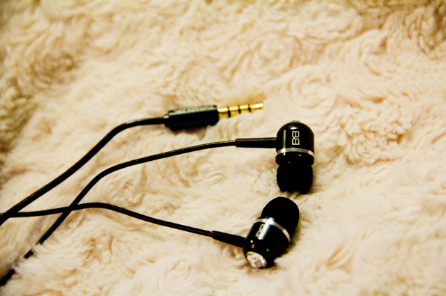 black bassbuds, crystal ear buds, audio equipment, bassbuds review, bassbuds coupon code