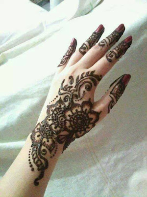 realy very good mahendi design
