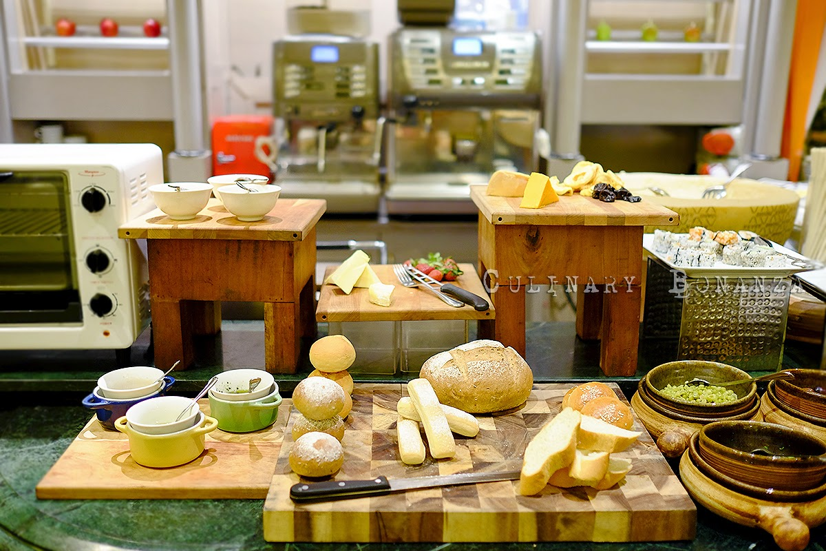 Bread and cheese table