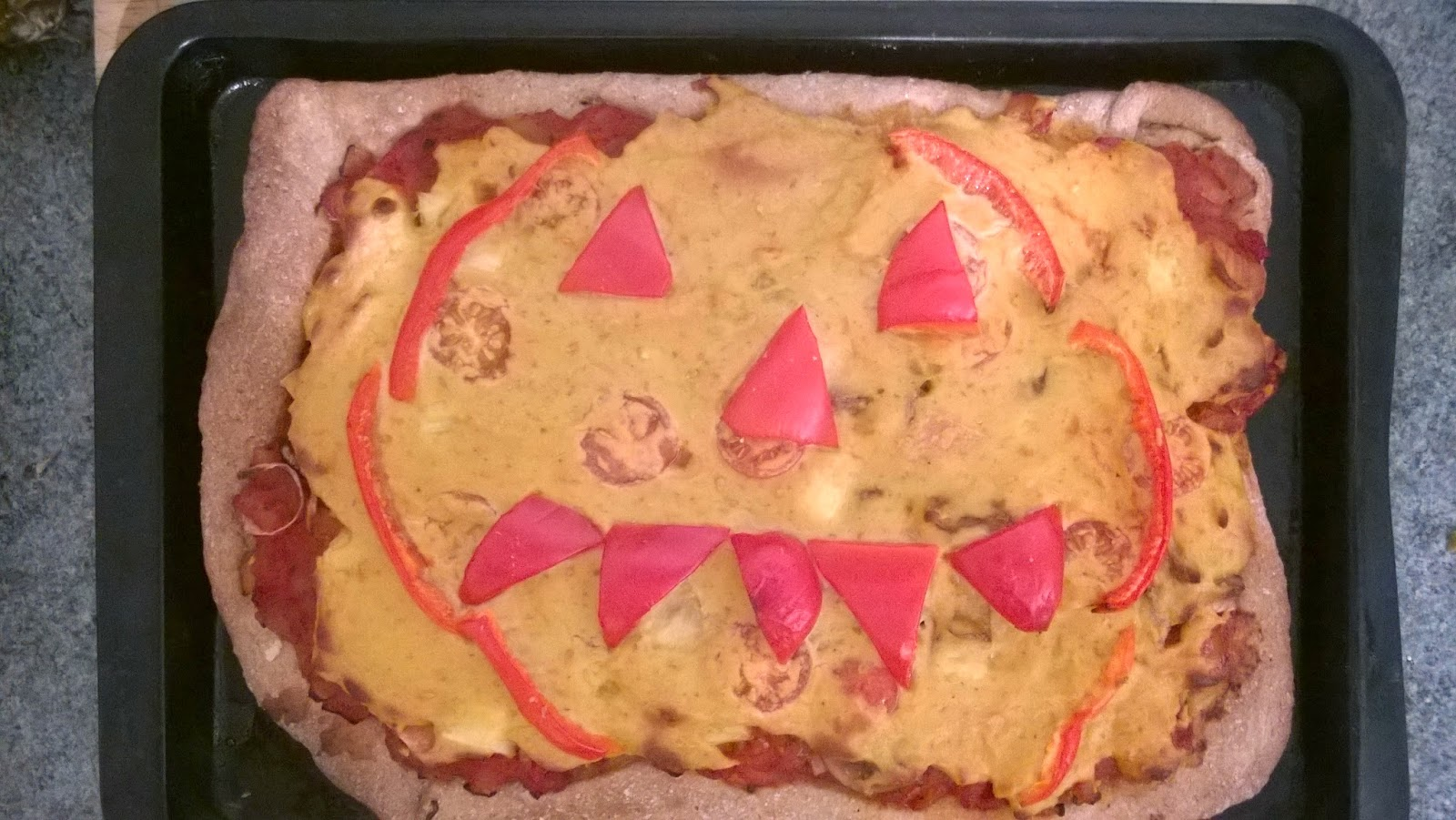 Flicking the vs happy hallowe 39 en pizza for Granny pottymouth bakes a vegan cake