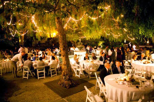 Wedding decoration ideas on a budget flourtown country club blog one way you can reduce your wedding day expenses is by using alternatives when it comes to decorating your wedding reception even though flowers are always junglespirit Gallery