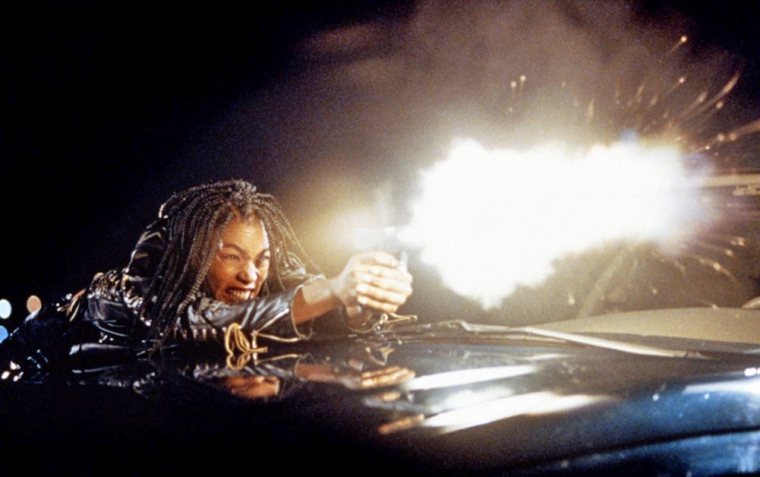 Angela Bassett in STRANGE DAYS (1995) Quelle: Lightstorm Entertainment
