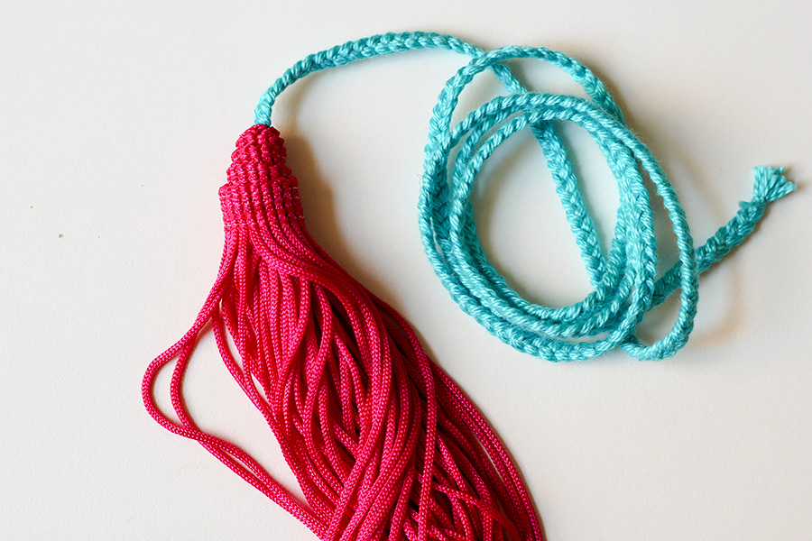 DIY BRAIDED TASSEL NECKLACE KARAMODE - Diy braided necklace