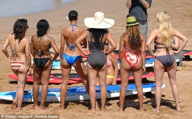 Hollywood exes on beach in hawaii