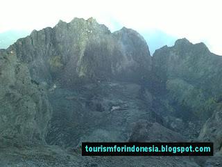 merapi volcano crater