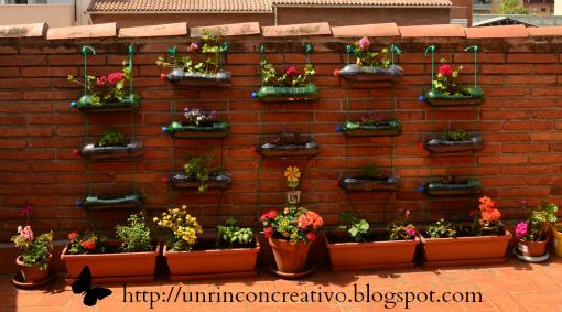 Un rinc n creativo c mo hacer un huerto colgante con for Jardines colgantes con material reciclado
